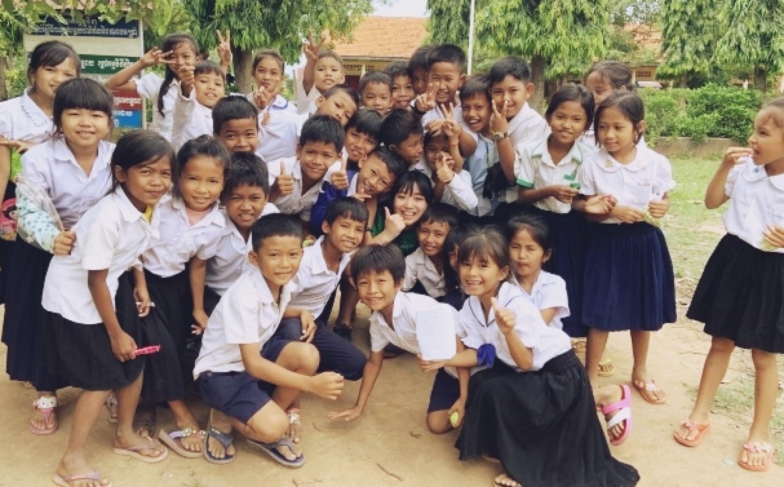 カンボジアでチャイルドケア&地域奉仕活動 海藻美緒